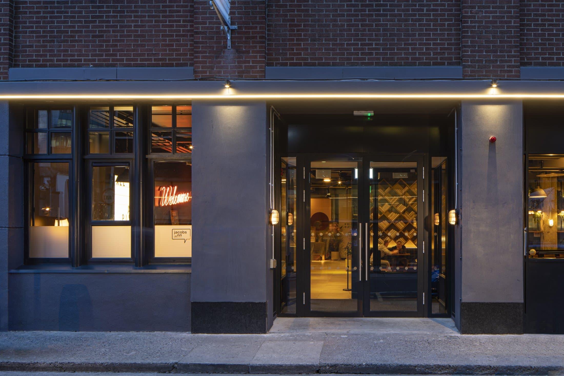 Jacobs Inn Entrance